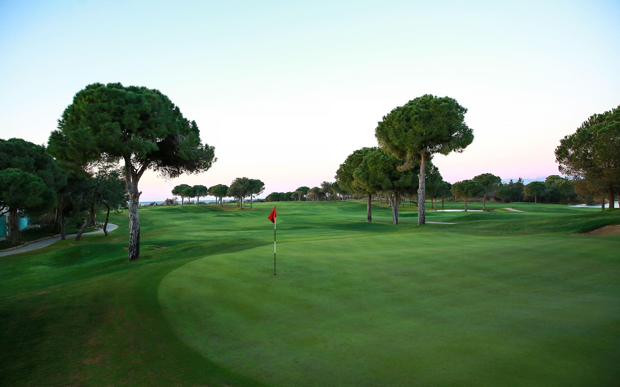 Titanic Golf Course-17025