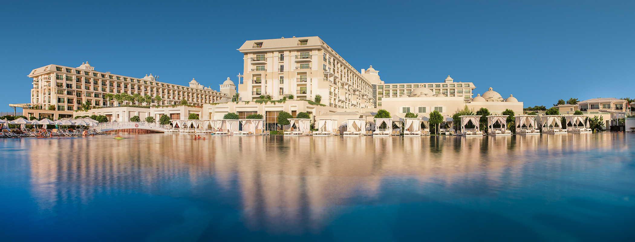 Titanic Deluxe Golf Resort *****-0